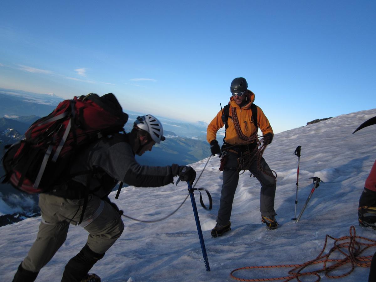 کوهنوردی و کمپینگ